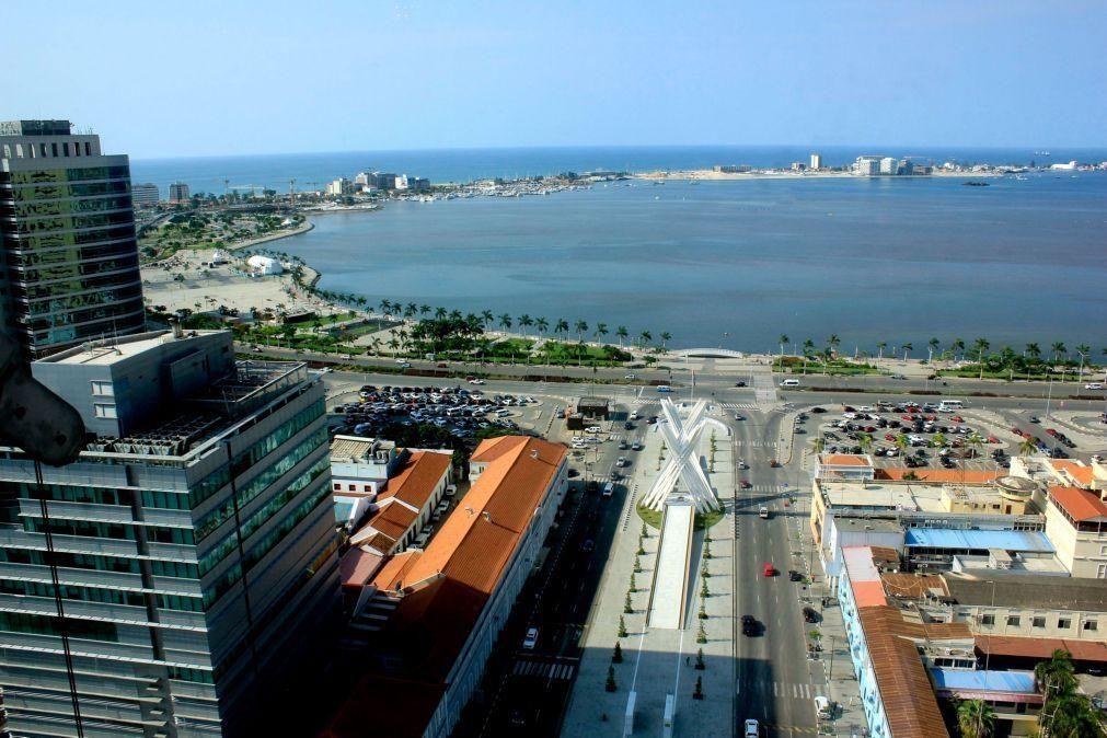 Banco Standard Angola quer ficar com posição de Carlos São Vicente que está no IGAPE