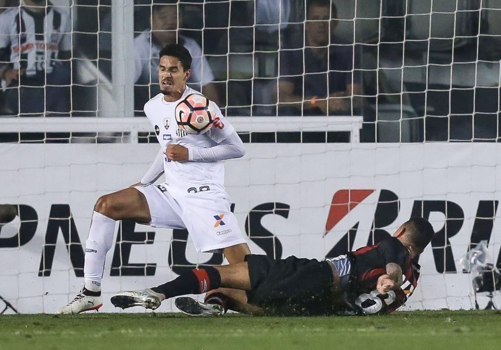 Lucas Veríssimo estreia-se nos convocados do Benfica e Rafa está de regresso