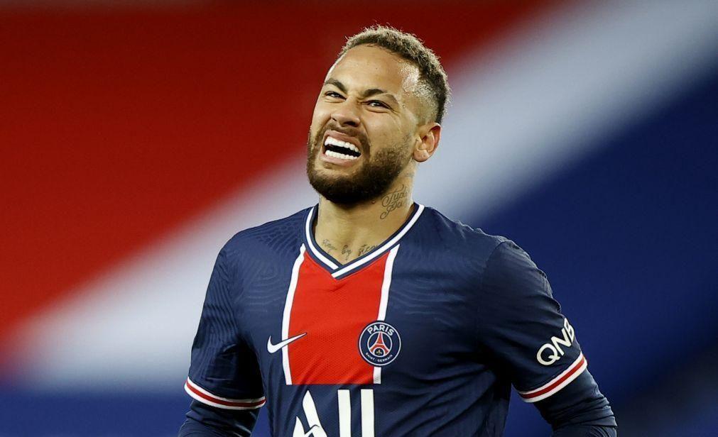 Neymar tem lesão muscular e falha jogo do PSG em Barcelona para a Liga dos Campeões
