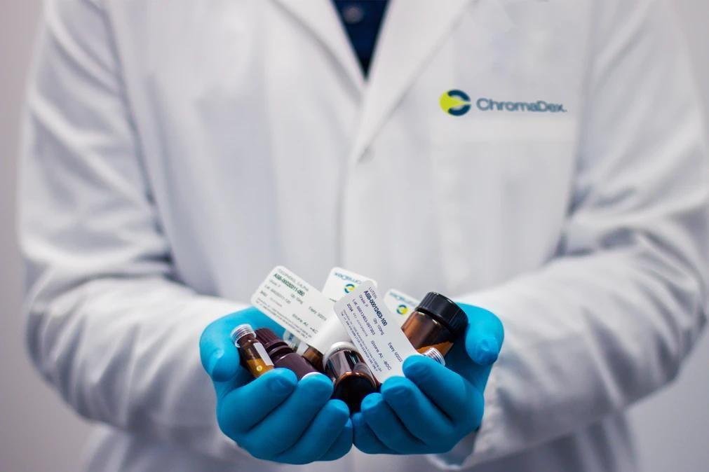 Covid-19: Medicamentos combinados reduzem mortes em 50%, diz estudo