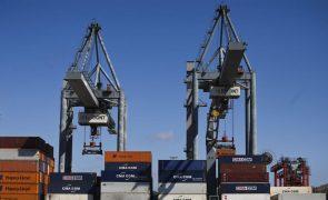 Polícia angolana apreende 11 mil toneladas de cabos de cobre roubados que iam ser exportados