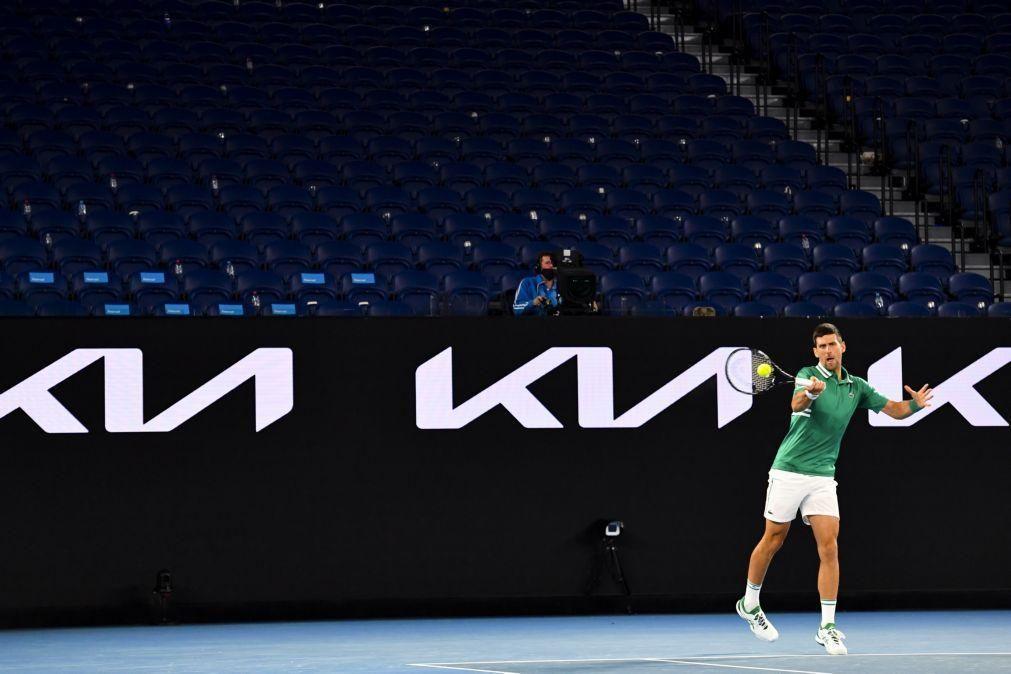 Djokovic passa por Fritz rumo aos oitavos de final do Open da Austrália