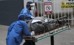Covid-19: México regista 1.323 mortos e 10.388 casos em 24 horas