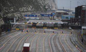 Brexit: Transporte de mercadorias na fronteira com França regressa a níveis normais