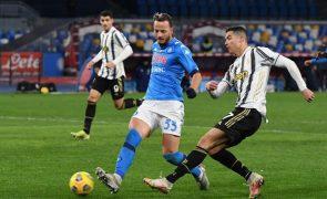 Juventus perde em Nápoles a quatro dias de visitar o Dragão para a Champions