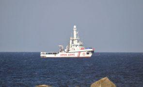 Navio Open Arms resgata mais de cem migrantes no Mediterrâneo