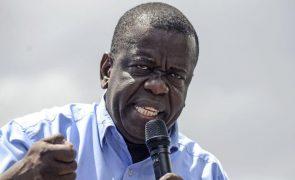 Autarca da Beira e presidente do MDM levado para África do Sul por problema de saúde