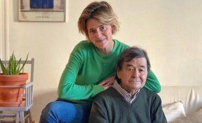 Leonor Poeiras de luto pela morte do pai