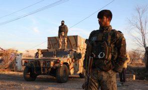 Afeganistão: Cem camiões-cisterna destruídos em incêndio na fronteira iraniana