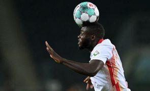 Bayern Munique confirma contratação de Upamecano por cinco épocas