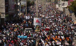 Milhares de haitianos nas ruas para exigir a renúncia do Presidente