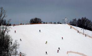 Covid-19: Itália mantém encerradas pistas de esqui até 05 de março