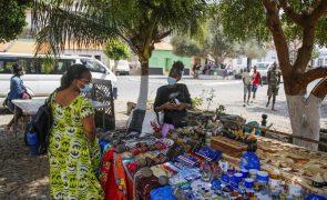 Covid-19: Negócios reabrem na Cidade Velha com cabo-verdianos, mas turistas ainda se contam pelos dedos