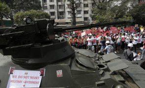 Forças de segurança de Myanmar  intensificam repressão contra protestos anti-golpe militar