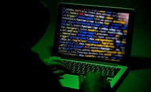 França suspeita de espiões russos em ataque informático a várias empresas