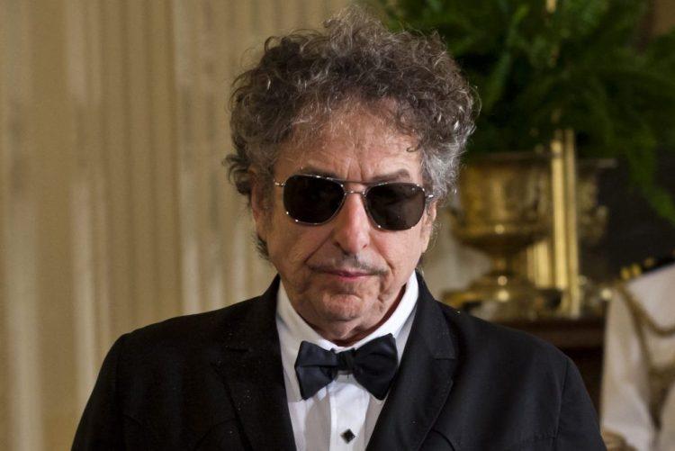 Dois meses depois, Bob Dylan agradece prémio Nobel da Literatura