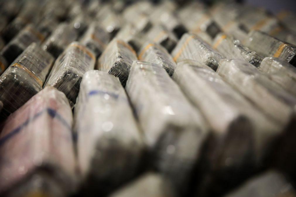 Polícia angolana desmantela rede de tráfico de cocaína