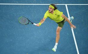 Tsitsipas impõe-se a Nadal e segue para as meias-finais do Open da Austrália
