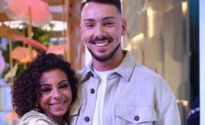 Renato esclarece romance com Jéssica e acusa pressão dos fãs