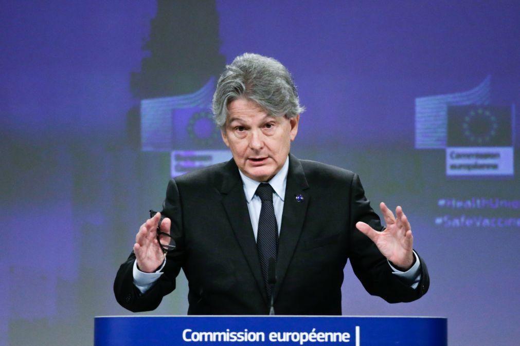 Bruxelas espera que Portugal ajude a acelerar produção de vacinas