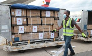 Covid-19: Senegal recebe hoje 200.000 doses de vacina chinesa