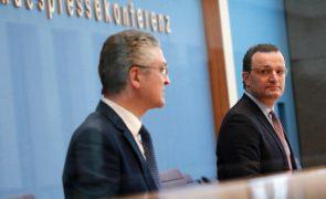 Covid-19: Declínio de novos casos do SARS-CoV-2 abranda na Alemanha