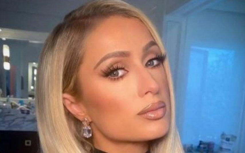 Paris Hilton Pedida em casamento durante viagem de sonho a ilha privada