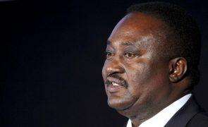 Presidente do parlamento angolano diz que lei obriga deputados a informarem sobre deslocações a Cafunfo