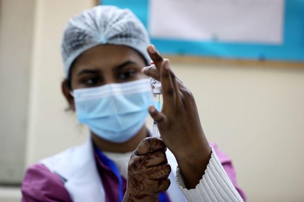 Covid-19: Índia com 97 mortos e 13.193 novos casos