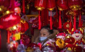 China estuda medidas para contrariar queda na taxa de natalidade
