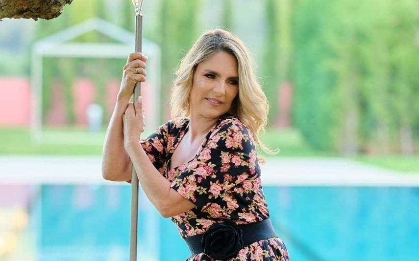 Paula Marcelo Viúva de Camilo de Oliveira chora a morte de familiar: