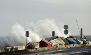 Marginal de Oeiras reaberta ao trânsito no sentido Cascais-Lisboa