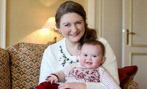 Stéphanie do Luxemburgo revela novas fotos do príncipe Charles