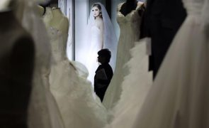Covid-19: Setor dos casamentos quer rastreios para retomar atividade