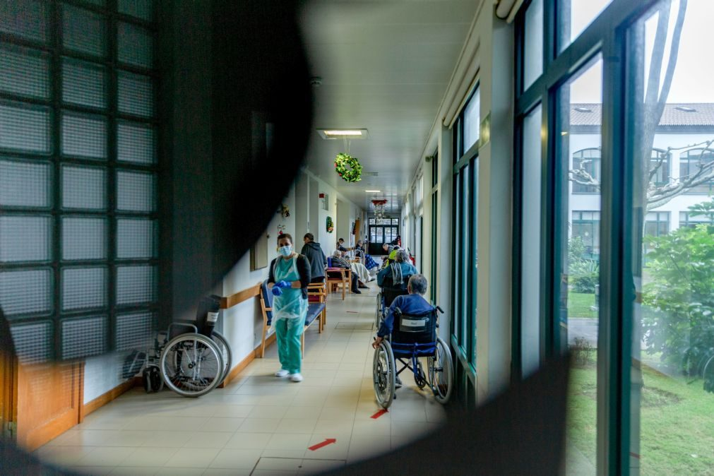 Covid-19: Cinco novos casos registados nos Açores, há 79 infetados