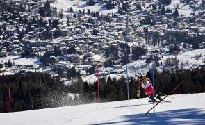 Esquiador Baptiste Aranjo falha porta e não termina final de slalom nos Mundiais