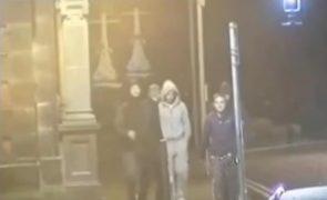 Prisão perpétua para jovens que esfaquearam homem numa festa