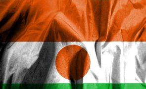 Sete membros da Comissão Eleitoral do Níger morrem em explosão de viatura