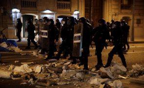 Detidas 102 pessoas na Catalunha em manifestações pela libertação de 'rapper'