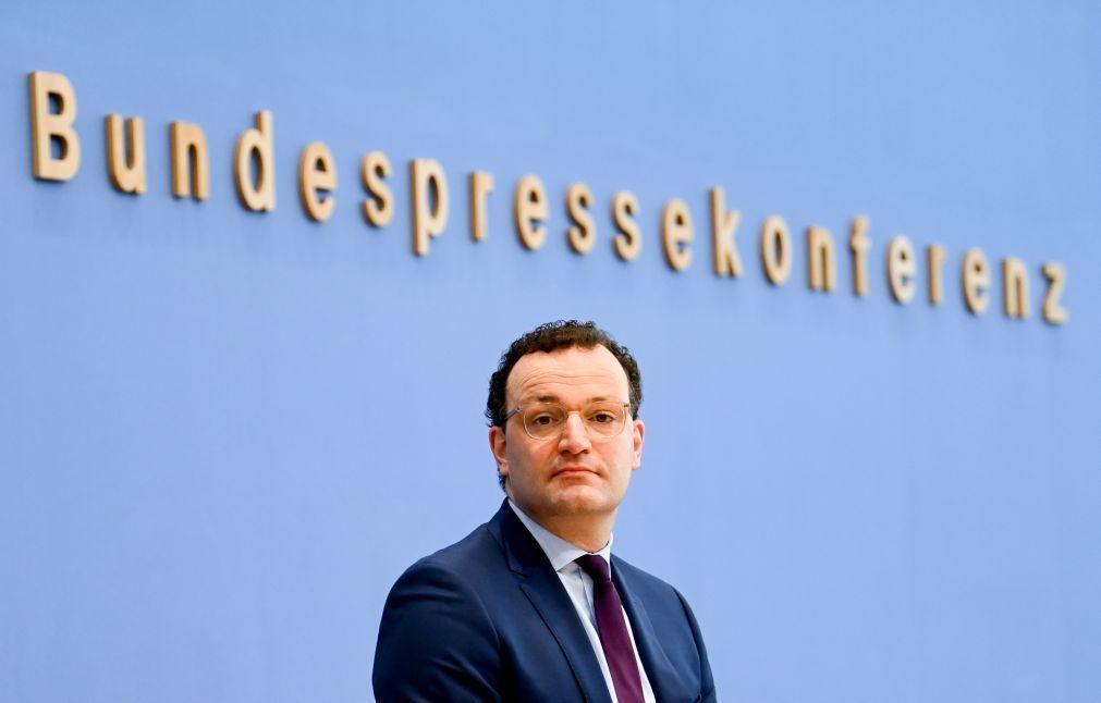 Covid-19: Alemanha pede prudência após aumento de infeções
