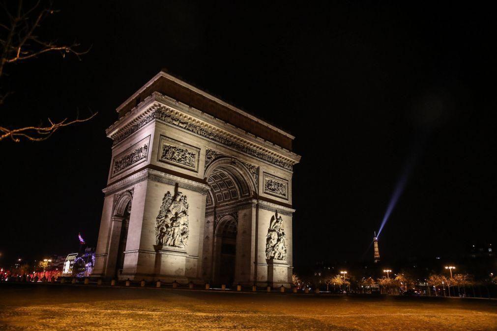 Covid-19: França regista mais 22.046 casos de infeção e 160 mortos nas últimas 24 horas