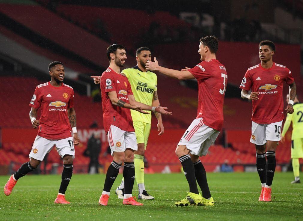 Manchester United regressa às vitórias com golo e assistência de Bruno Fernandes