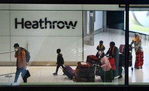 Covid-19: Reino Unido proíbe viagens ao estrangeiro pelo menos até 17 de maio