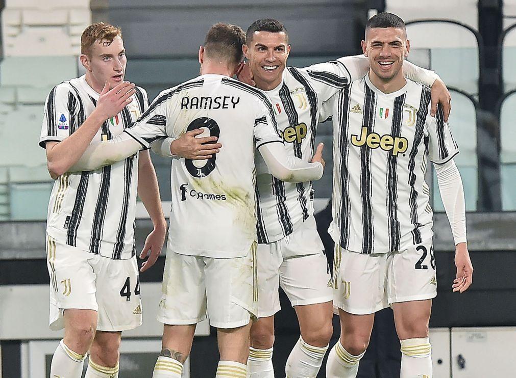 Cristiano Ronaldo bisa frente ao Crotone e coloca Juve no pódio em Itália