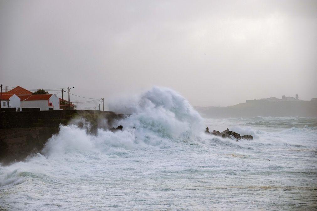 Autoridade Marítima alerta para agravamento da agitação marítima nos Açores