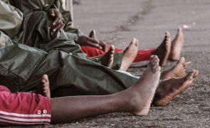 Mais de 1.300 migrantes intercetados e reenviados para a Líbia