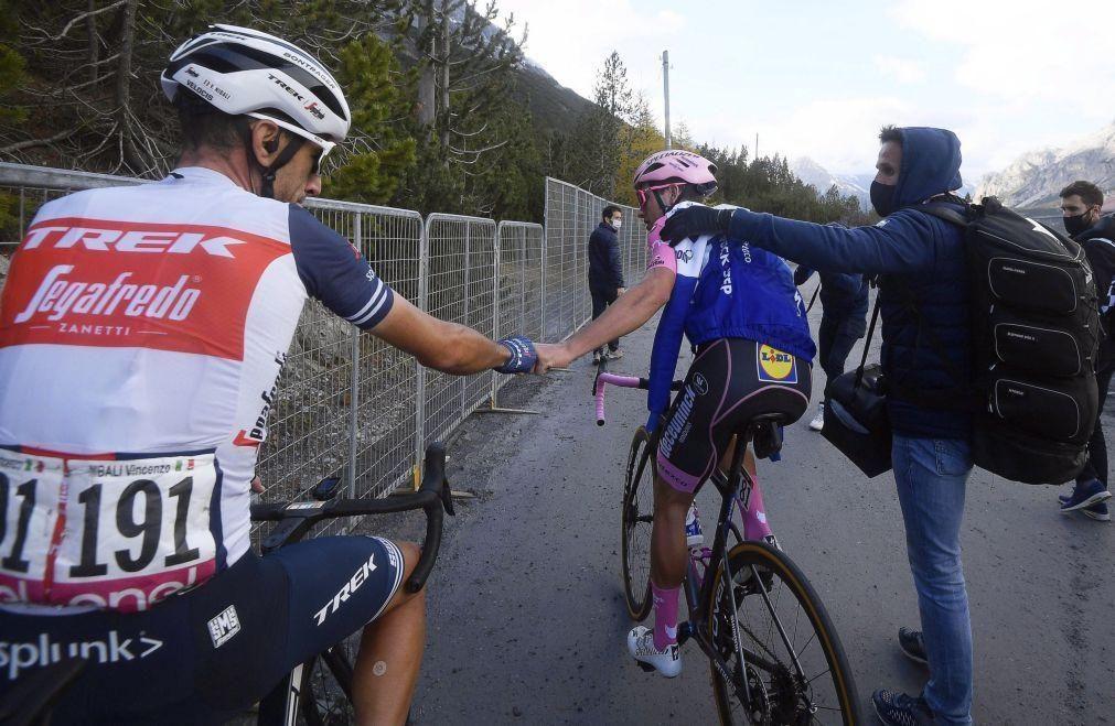 Ciclista João Almeida desce para terceiro na Volta aos Emirados Árabes Unidos