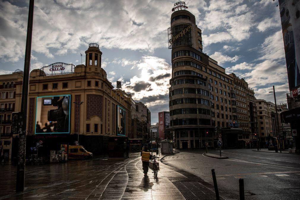 Covid-19: Espanha deixa de estar em