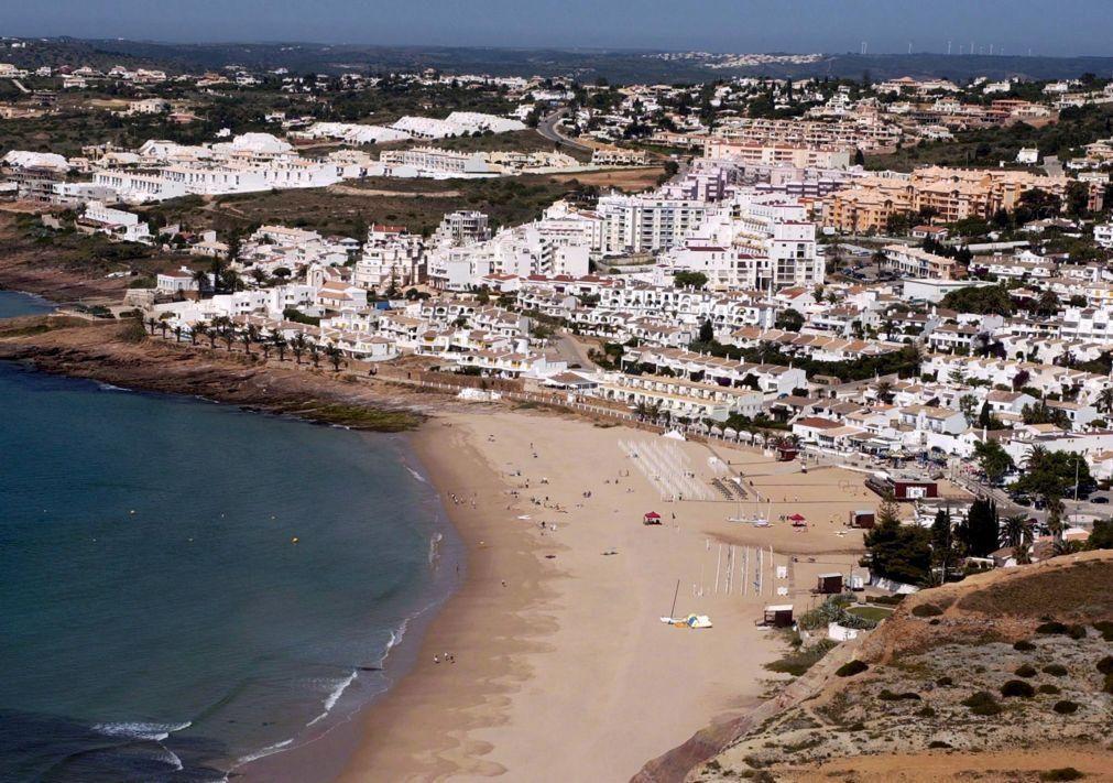 Covid-19: Portugal entre destinos mais procurados por britânicos para férias de verão