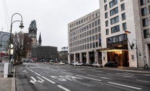 PIB da Alemanha recua menos que inicialmente anunciado ao contrair 4,9% em 2020